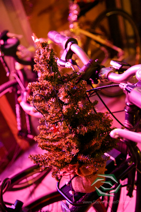 steven_miller_photography_orlandos_main_street_audubon_park_holiday_bike_light_night_0002