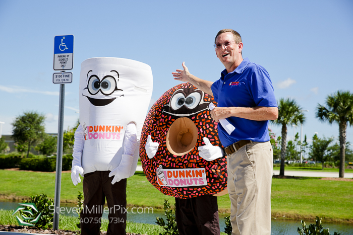 dunkin_donuts_grand_opening_corporate_event_photography_0012