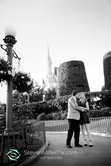 Magic Kingdom Surprise Proposal Photos Orlando Steven Miller Photoraphy