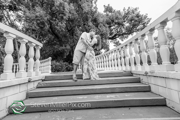 Engagement Sessions in Leu Gardens Orlando