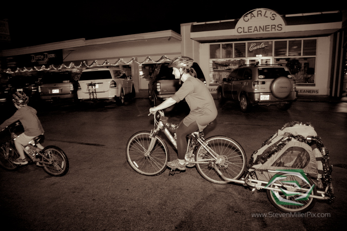 steven_miller_photography_orlandos_main_street_audubon_park_holiday_bike_light_night_0019