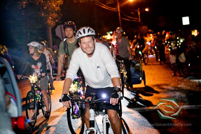 steven_miller_photography_orlandos_main_street_audubon_park_holiday_bike_light_night_0025