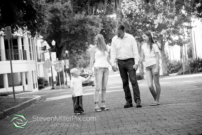 Downtown Orlando Family Portrait Photographers | Lake Eola Park Photos