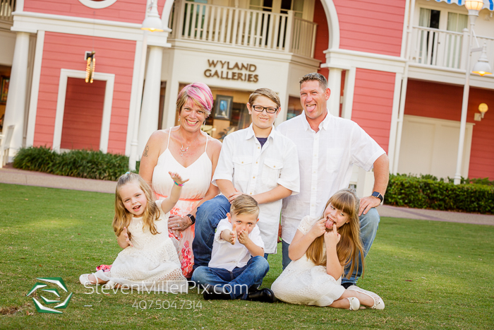 Orlando Swan and Dolphin Family Photographer
