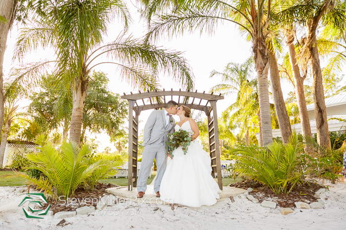 Orlando Wedding Photographers at Paradise Cove