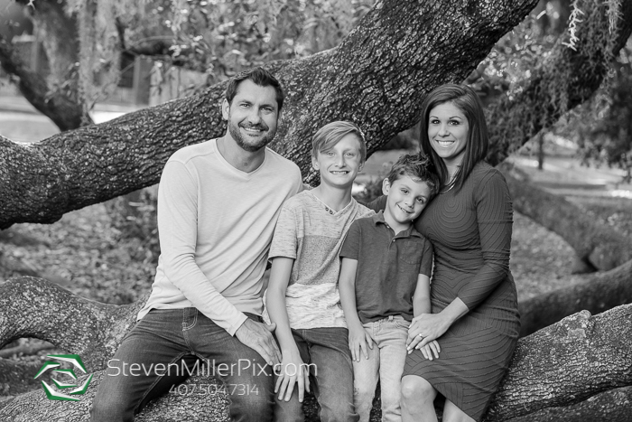 Mayor Tree Loch Haven Park Family Portraits