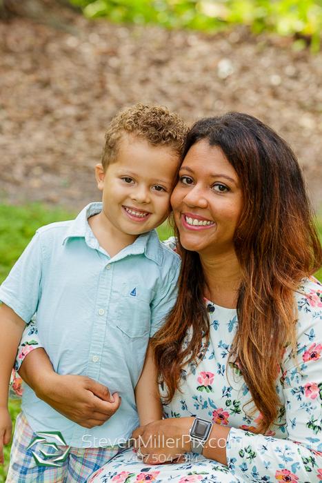 Family Photos in Dickson Azalea Park Orlando