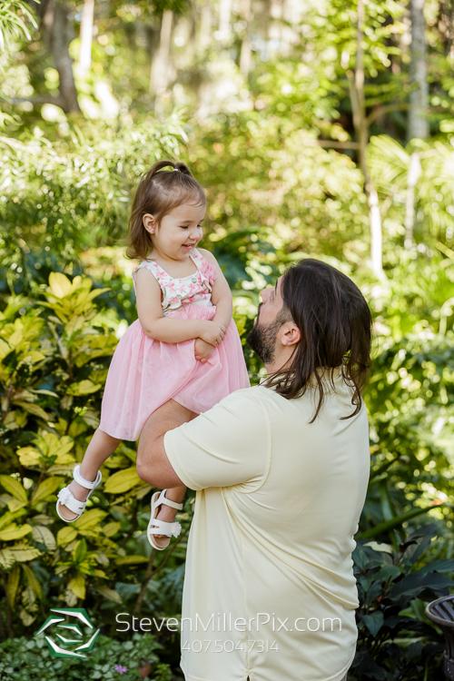 Maternity Photos at Leu Gardens